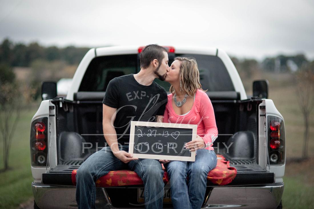 Engagement Photographers|The Hayloft Rockwood Pa