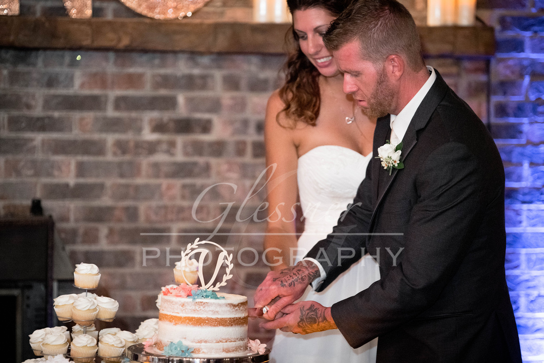 Wedding_Photography_Pyramids_Lounge_ and_Catering_Johnstown_PA-803