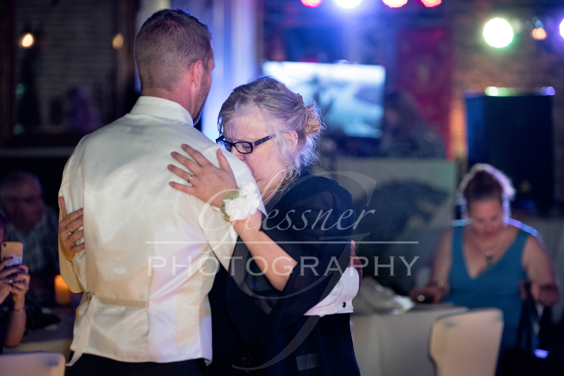 Wedding_Photography_Pyramids_Lounge_ and_Catering_Johnstown_PA-516