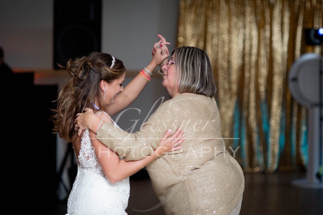Johnstown_PA_Wedding_Photographers_Glessner_Photography_10-12-19-1521