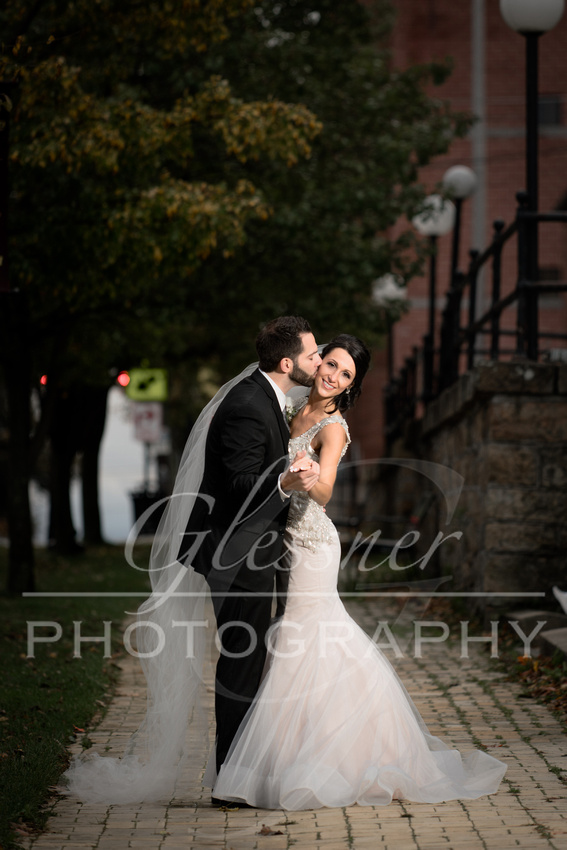 Wedding_Photographers_Altoona_Heritage_Discovery_Center_Glessner_Photography-573