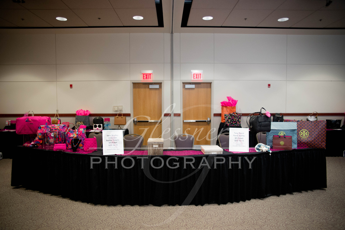 Taunia_Oechslin_Girls_Night_Out_Glessner_Photography_4-24-2018-2