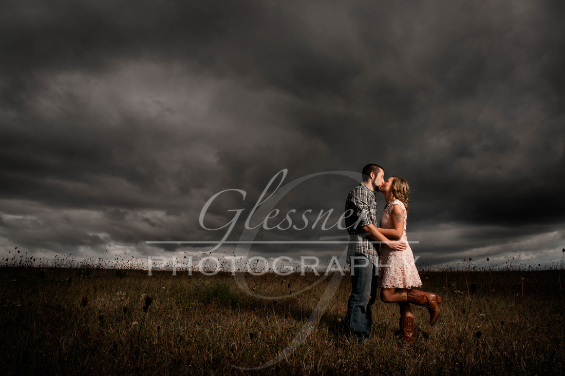 Engagement Photographers|The Hayloft Rockwood Pa