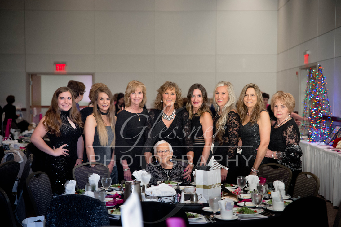 Taunia_Oechslin_Girls_Night_Out_Glessner_Photography_4-24-2018-113